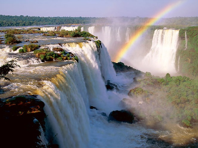 http://paoeecologia.files.wordpress.com/2009/09/cataratas-do-iguacu.jpg