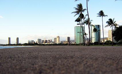 Honolulu, no Havaí, possui exuberantes áreas verdes, praias de águas cristalinas e a melhor qualidade de ar dos EUA/Foto: Slightlynorth