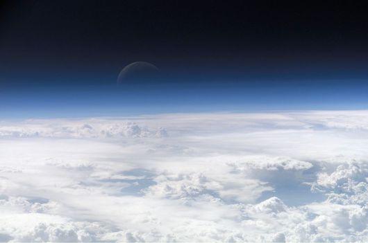 Topo da Atmosfera - Vista da Lua